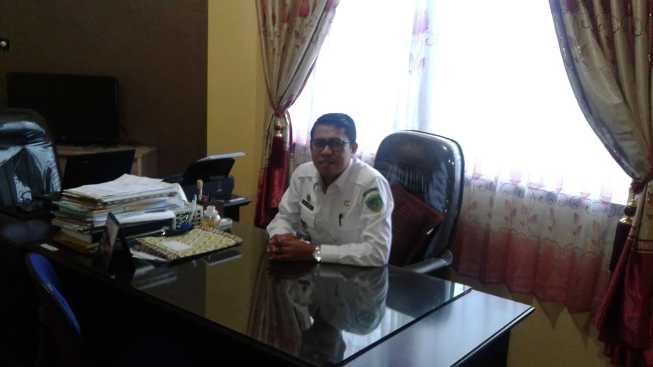 Kepala Dinas Penanaman Modal Terpadu Satu Pintu dan Tenaga Kerja Kota Tual. Asril Umagap